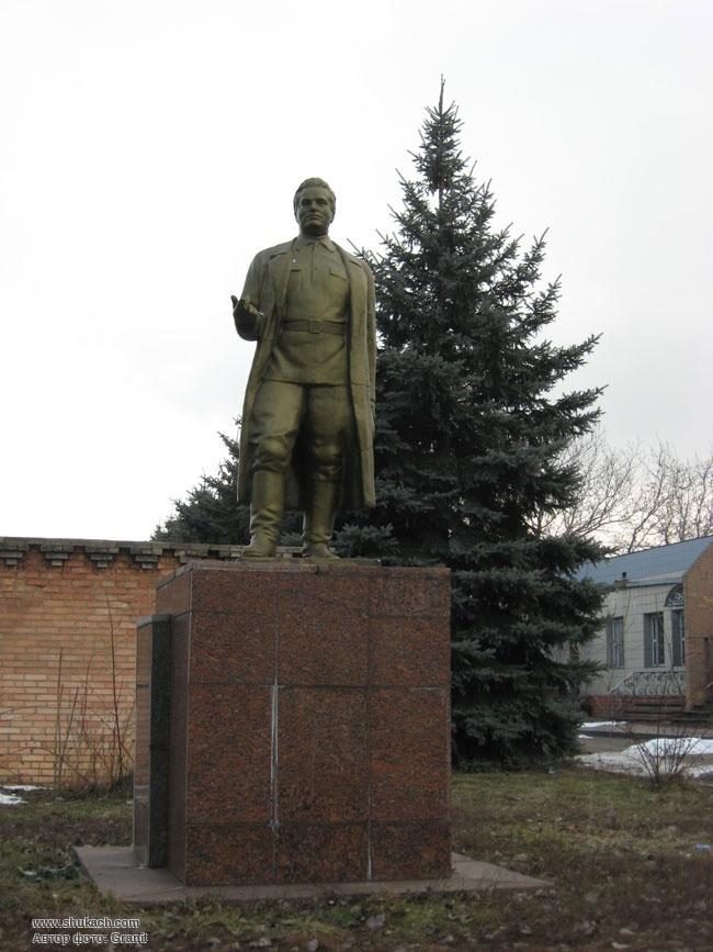 памятники на могилу гранит центр