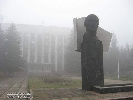 памятники города горловки фото