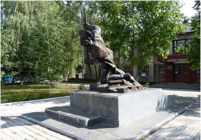 Памятник из гранита Красноармейск, Саратовская обл. памятник подешевле Ивангород